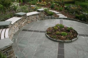 Lakeland slate paved circle